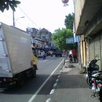 Photo taken at Jln Sumatera by qoumi a. on 2/25/2013