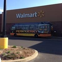 Снимок сделан в Walmart Supercenter пользователем Tina J. 4/17/2014