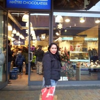 Photo taken at Gelateria Lindt by Verusca E C. on 12/26/2012