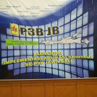 Photo taken at Kantor Induk PLN P3B Jawa Bali by Muhar A. on 12/18/2013