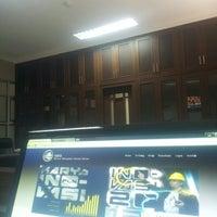 Photo taken at Kantor Induk PLN P3B Jawa Bali by Muhar A. on 3/26/2014