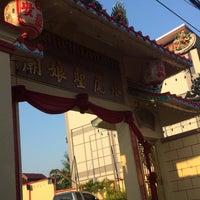Photo taken at ศาลเจ้าแม่ทับทิม by Khongsak T. on 12/15/2015