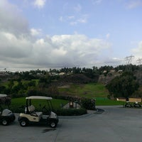 Foto tomada en The Clubhouse at Anaheim Hills Golf Course  por Chris O. el 11/15/2014