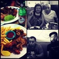 Foto tomada en Maracas Latin Restaurant por Will L. el 4/10/2013