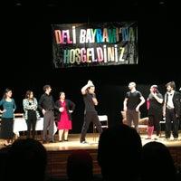 4/12/2013にArzu D.がİstanbul Üniversitesi Kongre Kültür Merkeziで撮った写真