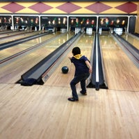 Photo taken at Palace Bowling & Entertainment Center by Steve B. on 10/12/2012