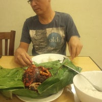 Photo taken at Rasane Seafood & Ikan Bakar by yulia o. on 4/19/2014