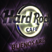 Foto scattata a Hard Rock Cafe da Oguz il 9/3/2013