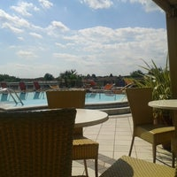 Photo taken at arena hotel sirmione @pool by Louis® on 8/20/2013