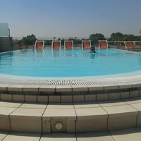 Photo taken at arena hotel sirmione @pool by Louis® on 8/18/2013