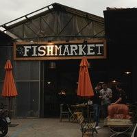 Foto scattata a Fish Market da Anna K. il 5/28/2013