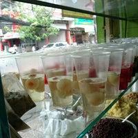 Das Foto wurde bei Xôi Chè Bùi Thị Xuân von Bridget E. am 12/25/2015 aufgenommen