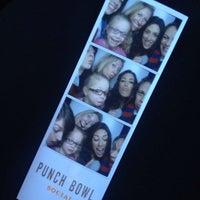 1/25/2014 tarihinde Jennifer H.ziyaretçi tarafından Punch Bowl Social'de çekilen fotoğraf