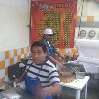 Photo taken at Tacos El Guero Baynas by Roberto Andrés A. on 12/27/2012