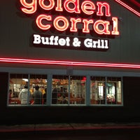 Photo taken at Golden Corral by Celestine L. on 12/31/2012