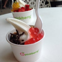 Photo taken at Pinkberry by Angela T. on 8/3/2014