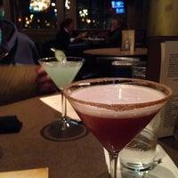 Das Foto wurde bei Twigs Bistro & Martini Bar von Matthew W. am 11/1/2013 aufgenommen