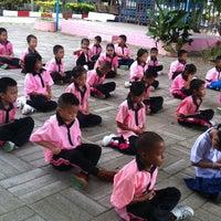 Photo taken at โรงเรียนชุมชนบ้านป่าก่อดำ by Abple M. on 6/20/2013