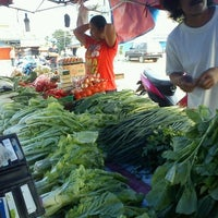 Photo taken at Pasar Flamboyan by Richie on 3/24/2013