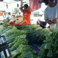 Photo taken at Pasar Flamboyan by Richie on 3/10/2013