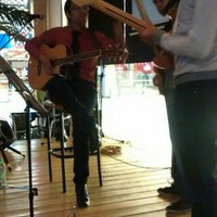 Photo taken at Coffee & Dreams by Pablo Andrés R. on 5/15/2015