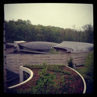Photo taken at Crystal Bridges Museum of American Art by Tony E. on 5/3/2013