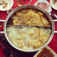 Photo taken at Restaurant Jin Zhou (Steamboat) by Li-Anne S. on 10/26/2013