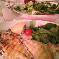 2/3/2013 tarihinde Ahmet Evrenziyaretçi tarafından Kordon Yengeç Restaurant'de çekilen fotoğraf