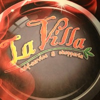 Photo taken at La Villa Chopperia by Rodrigo T. on 3/9/2013