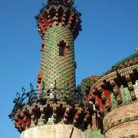 Foto tomada en El Capricho de Gaudí por Judith S. el 8/21/2013