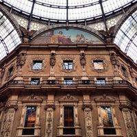 Foto scattata a Galleria Vittorio Emanuele II da Serbülent P. il 3/27/2013