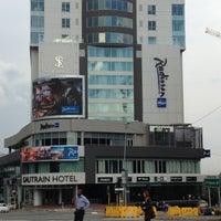 Das Foto wurde bei Radisson Blu Gautrain Hotel von Kobus V. am 12/18/2012 aufgenommen