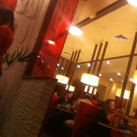 Photo taken at Pizza Hut by Bia C. on 3/21/2015