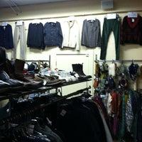 Das Foto wurde bei Crossroad's Trading Co. von Nicholas L. am 1/24/2013 aufgenommen
