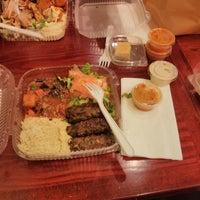Das Foto wurde bei Omar's Mediterranean Cuisine & Bakery von Edwin L. am 3/13/2013 aufgenommen