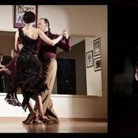 7/24/2013 tarihinde a Tango Zone - ATZ Dans Okulu İzmirziyaretçi tarafından a Tango Zone - ATZ Dans Okulu İzmir'de çekilen fotoğraf