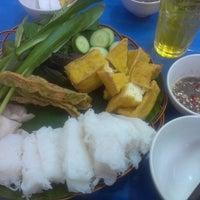 Photo taken at Bún đậu Hai Chị Em by Nguyen Cung H. on 4/13/2013