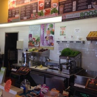 Photo taken at Robeks Fresh Juices & Smoothies by Eric S. on 8/8/2014