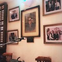 รูปภาพถ่ายที่ Naguib Mahfouz Cafe โดย 🐰 +. เมื่อ 10/14/2018