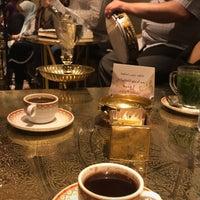 รูปภาพถ่ายที่ Naguib Mahfouz Cafe โดย 🐰 +. เมื่อ 10/7/2018