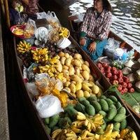 Photo taken at Damnoen Saduak Floating Market by Panya_m on 10/29/2013