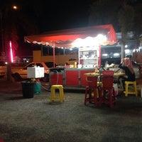 Photo taken at Burger Epi by WapiWajdi on 6/3/2014