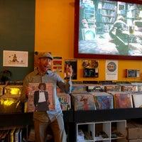 Das Foto wurde bei Songbyrd Record Cafe von Birgit P. am 3/22/2017 aufgenommen