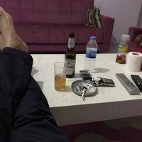 รูปภาพถ่ายที่ Liv Suit Hotel โดย Cemal Yakışıklı เมื่อ 5/5/2018