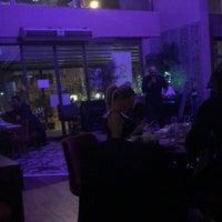 รูปภาพถ่ายที่ Liv Suit Hotel โดย Cemal Yakışıklı เมื่อ 8/23/2018
