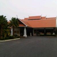 Photo taken at Thai Garden Resort by Sarawut P. on 4/12/2013