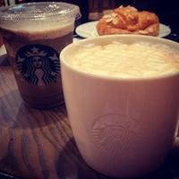 Photo taken at Starbucks by Mou¥ L€K . on 4/22/2013