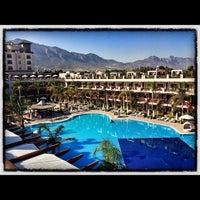 Foto scattata a Cratos Premium Hotel & Casino da Beyin E. il 10/13/2012