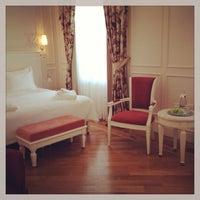10/7/2013 tarihinde Fatoş E.ziyaretçi tarafından Corinne Hotel & Brasserie'de çekilen fotoğraf