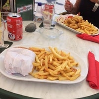 Photo taken at Tomy Burguer by Kenny M. on 7/30/2014